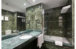 Какво трябва да е осветлението в банята?